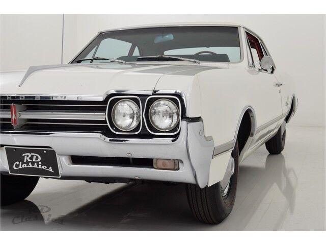 Oldsmobile Cutlass 2D Coupe 9/32