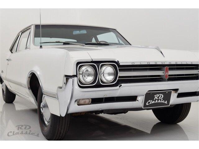 Oldsmobile Cutlass 2D Coupe 10/32