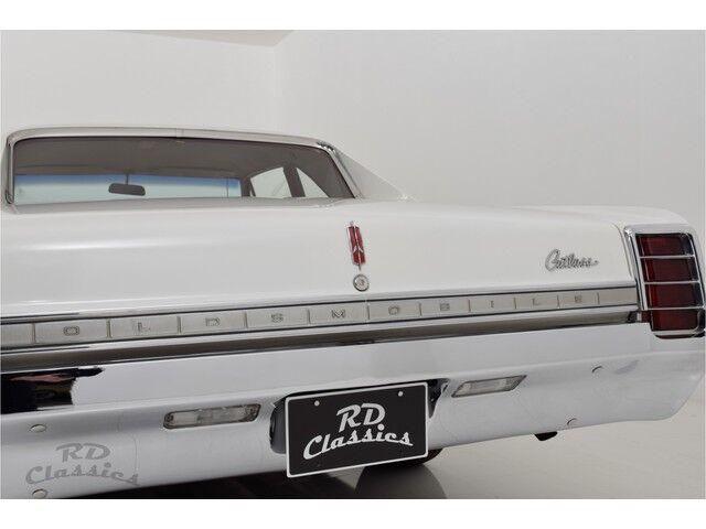 Oldsmobile Cutlass 2D Coupe 12/32