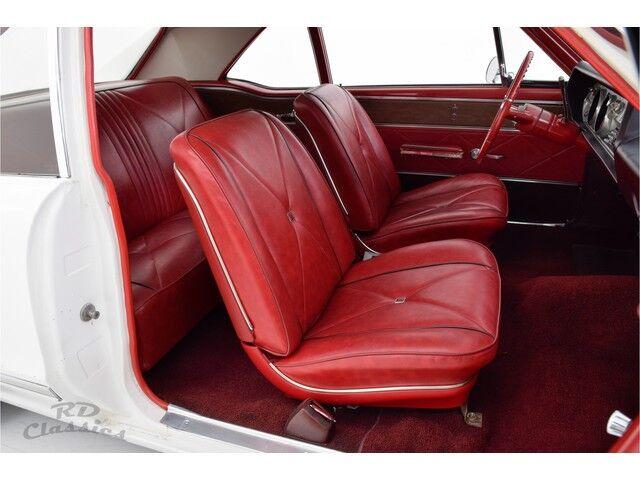 Oldsmobile Cutlass 2D Coupe 18/32