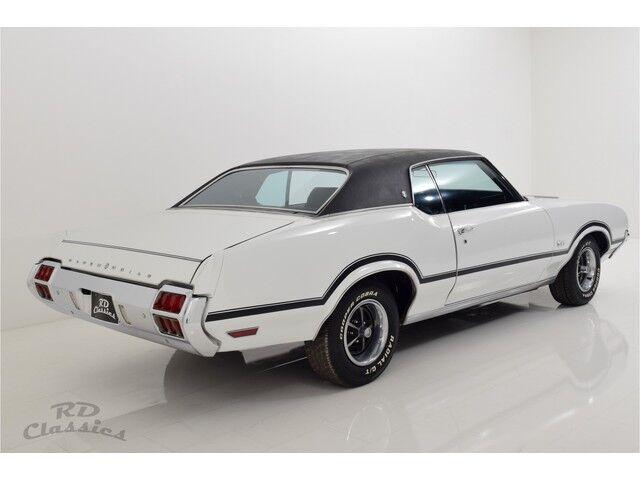 Oldsmobile Cutlass 2D Hardtop Coupe 7/31