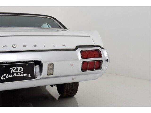 Oldsmobile Cutlass 2D Hardtop Coupe 11/31