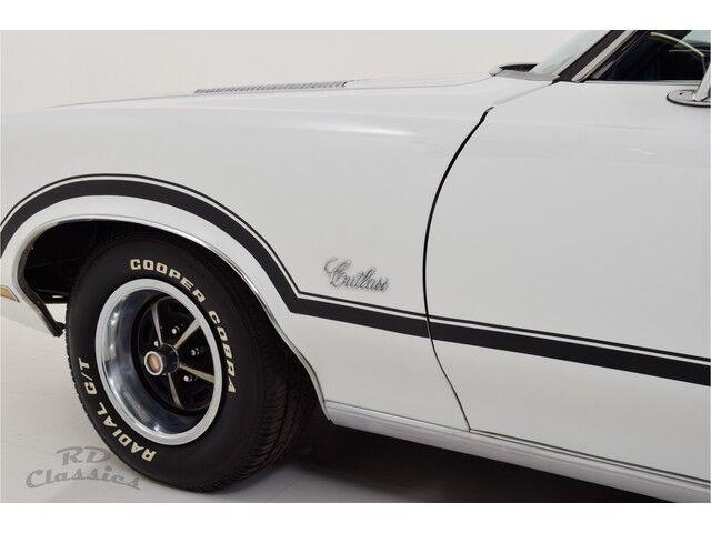 Oldsmobile Cutlass 2D Hardtop Coupe 13/31