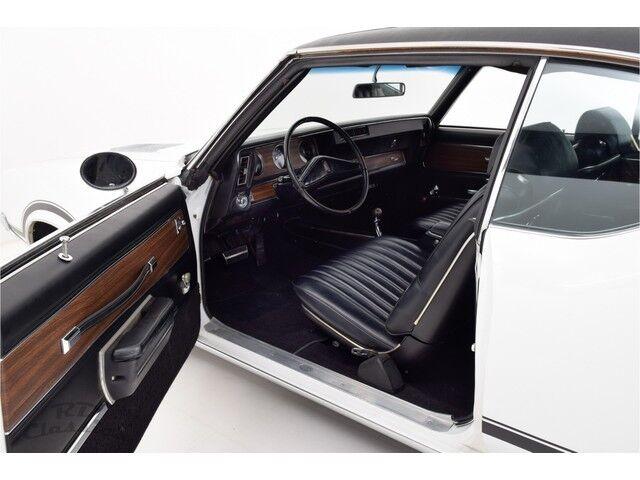 Oldsmobile Cutlass 2D Hardtop Coupe 15/31