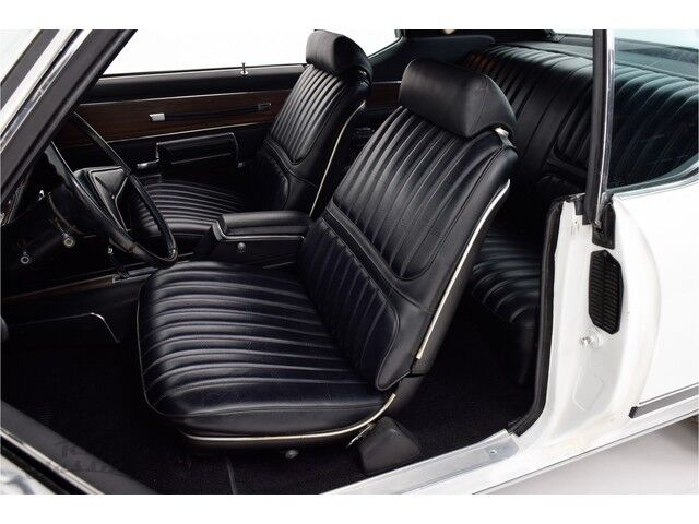 Oldsmobile Cutlass 2D Hardtop Coupe 16/31
