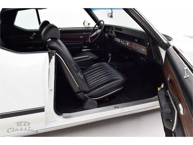 Oldsmobile Cutlass 2D Hardtop Coupe 17/31