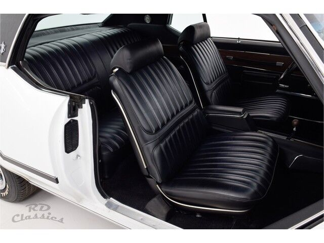 Oldsmobile Cutlass 2D Hardtop Coupe 18/31