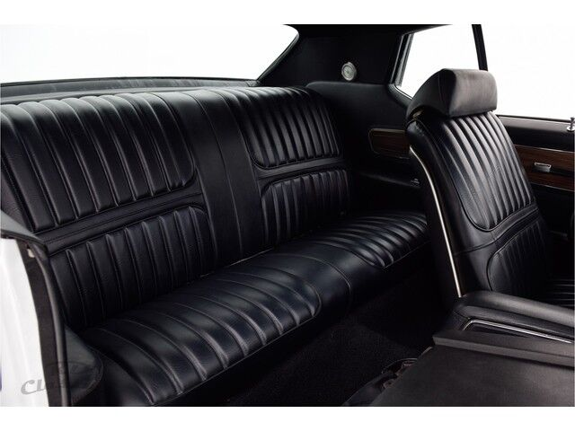 Oldsmobile Cutlass 2D Hardtop Coupe 19/31