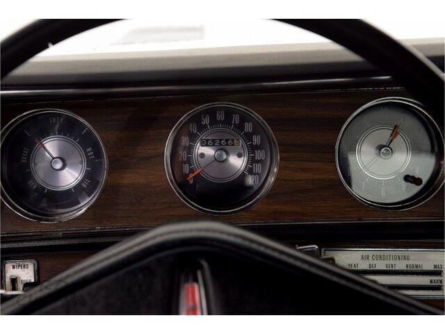 Oldsmobile Cutlass 2D Hardtop Coupe 21/31