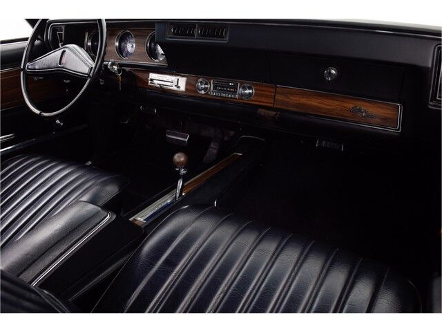 Oldsmobile Cutlass 2D Hardtop Coupe 30/31