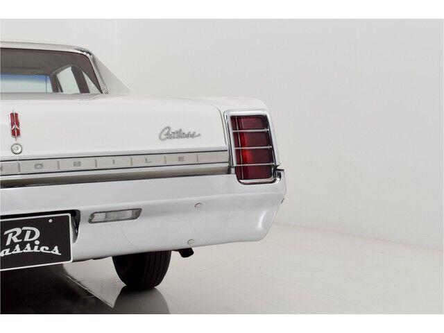 Oldsmobile Cutlass 2D Coupe 27/32