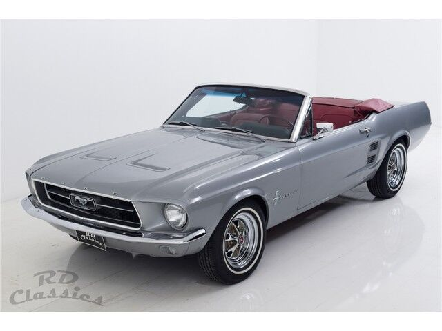 Ford Mustang Convertible 1/5