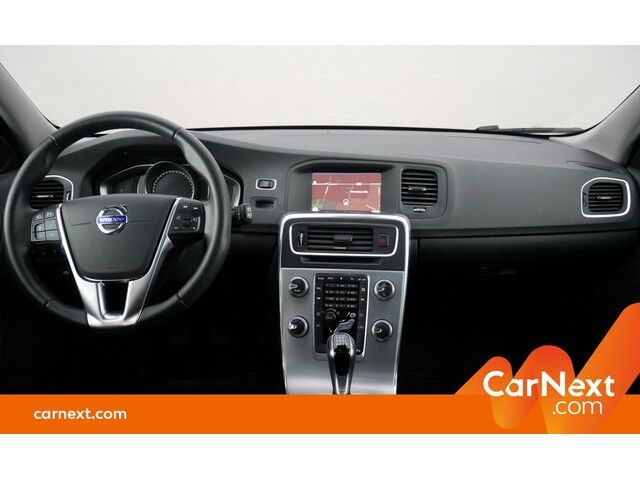 Volvo V60 2.0 D2 Eco Momentum GPS PDC OD/TO Sounds. Trekhaak 9/18