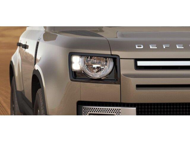 Land Rover Defender 110 S 8/13