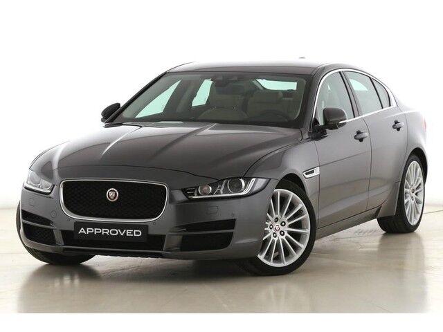 Jaguar XE Prestige 1/9