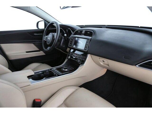 Jaguar XE Prestige 3/9