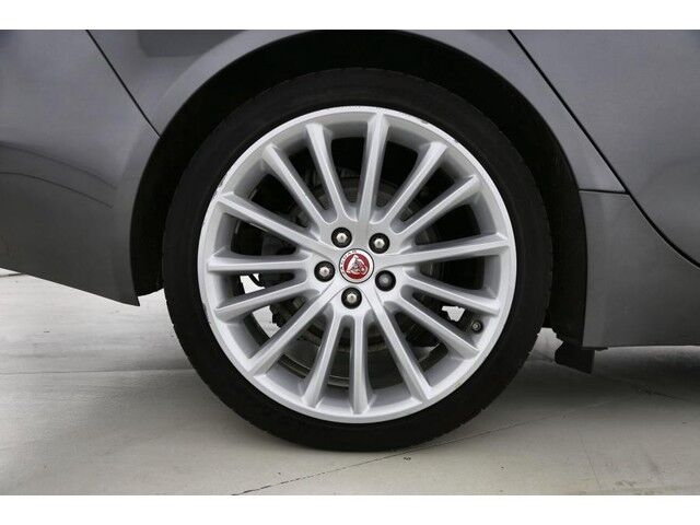 Jaguar XE Prestige 9/9