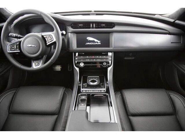 Jaguar XF R-Sport D180 7/9