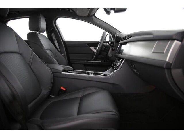 Jaguar XF Prestige E-Performance D163 6/9