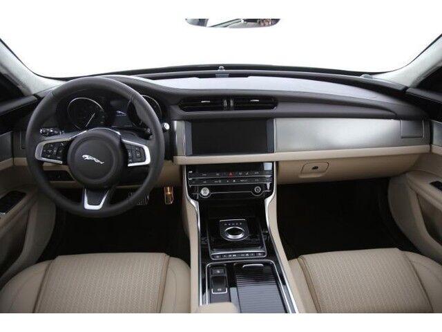 Jaguar XF Prestige E-Performance 6/9