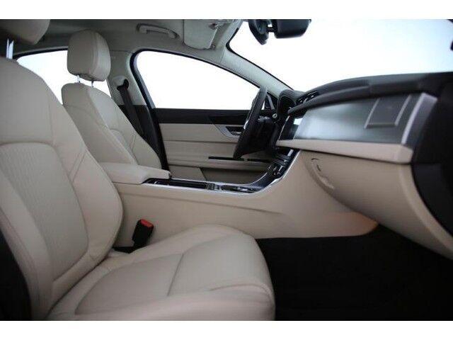 Jaguar XF Prestige E-Performance 7/9