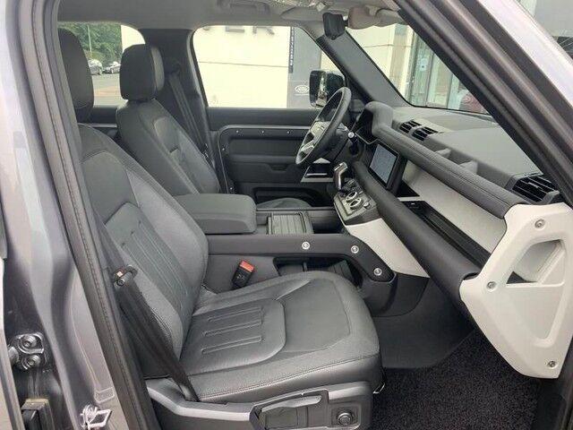 Land Rover Defender 110 S 8/14