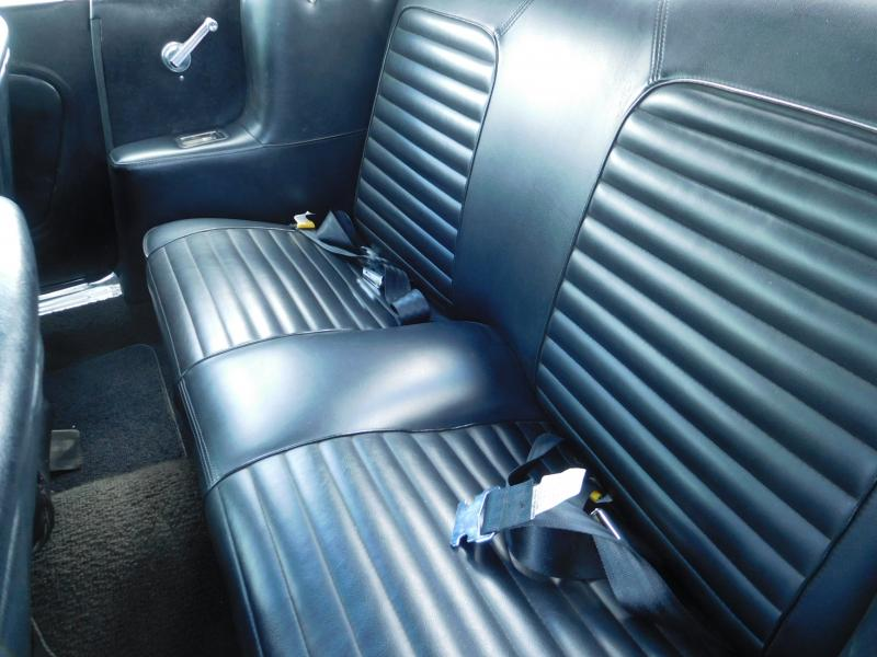 Ford Mustang bench 32/41