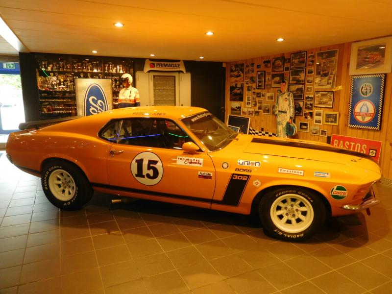 Ford Mustang race car 2/43