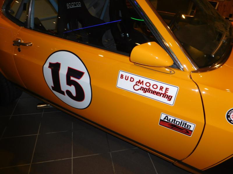 Ford Mustang race car 6/43
