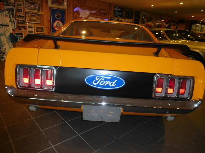 Ford Mustang race car 4/43