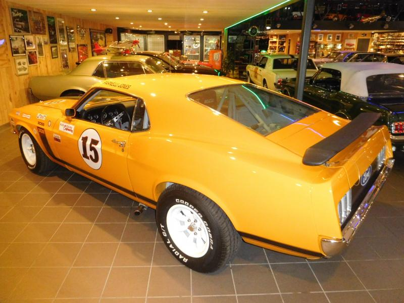 Ford Mustang race car 7/43