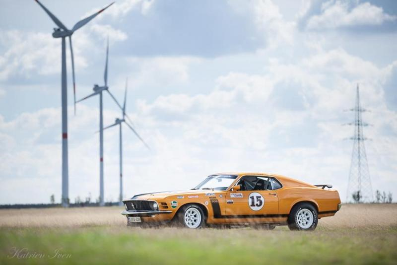 Ford Mustang race car 41/43