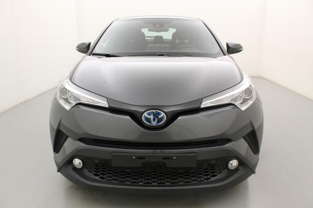 Toyota C-HR premium hybrid e-cvt 98 2/6
