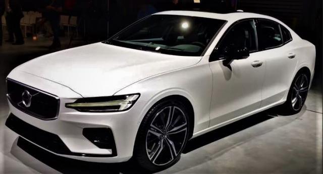 Volvo S60 R-Design MJ 2020/ PDC v+h/ DAB T5 184 kW ... 1/1
