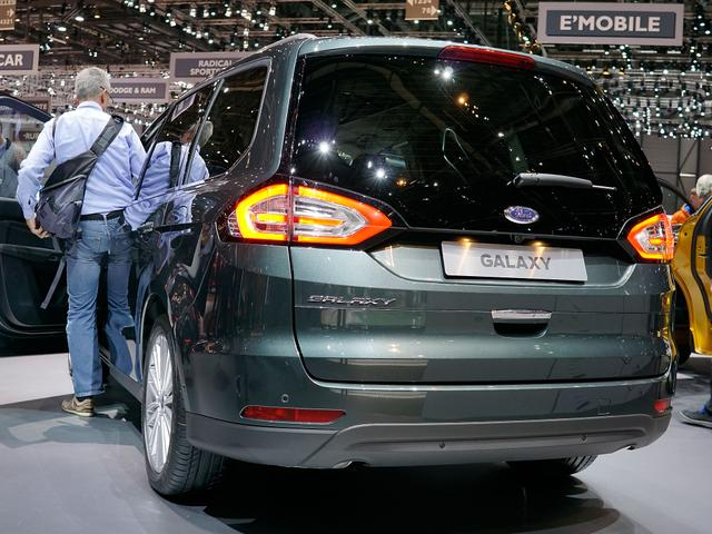 Ford Galaxy Titanium Facelift EcoBlue 2,0 190PS 8-... 4/6