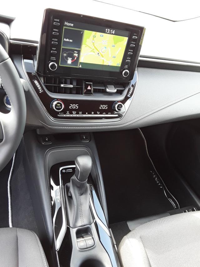 Toyota Corolla Premium Plus 2.0 Hybrid 2,0 Hybrid - ... 8/8