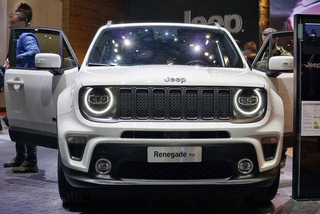 Jeep RENEGADE Limited First Edition 1.3 Turbo 150P... 4/7