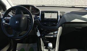 Peugeot 208 1.2 BENZ 110 PK ALLURE