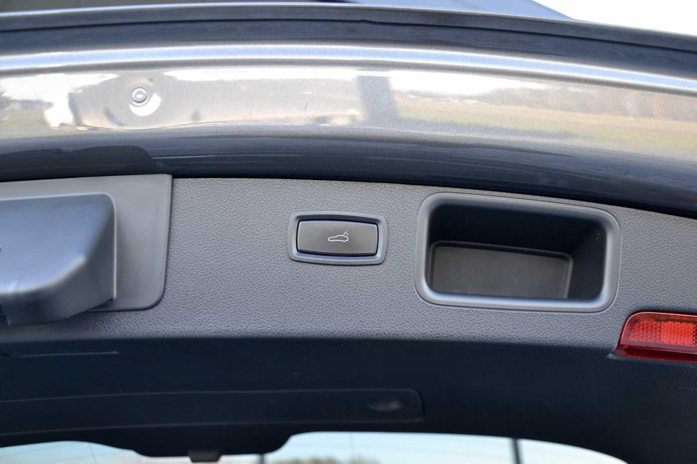 Porsche Macan 3.0 D Airsus Cooling Comfortseats Towbar Pano