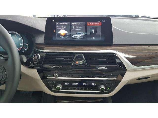 BMW 520 Saloon dA Saphirschwarz  leder Navi Pro 18' velgen Headup