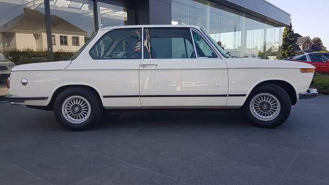 BMW 2002 7 Jaar geleden gerestaureerd