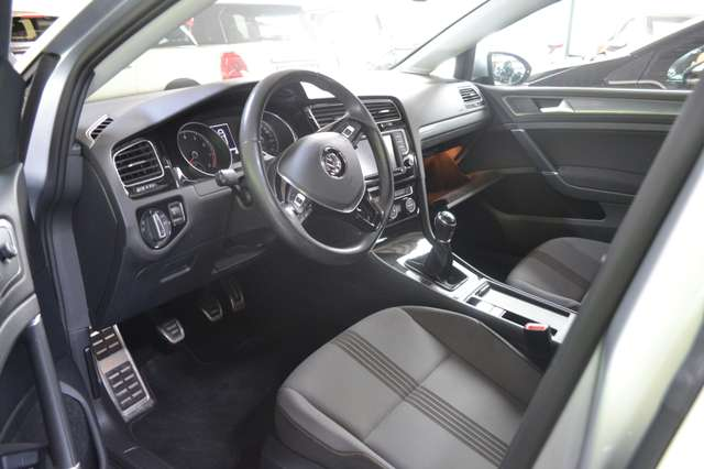 Volkswagen Golf Mark 1 1.2 TSI Allstar Gps, bluetooth, sg sport, 1er pp!