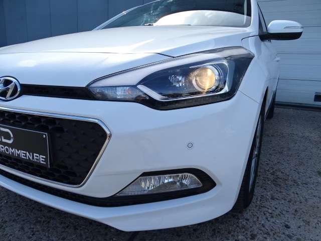Hyundai i20 1.2i Blackline/5D/Aut.Airco/PDC/Cam./Alu/GPS/84PK