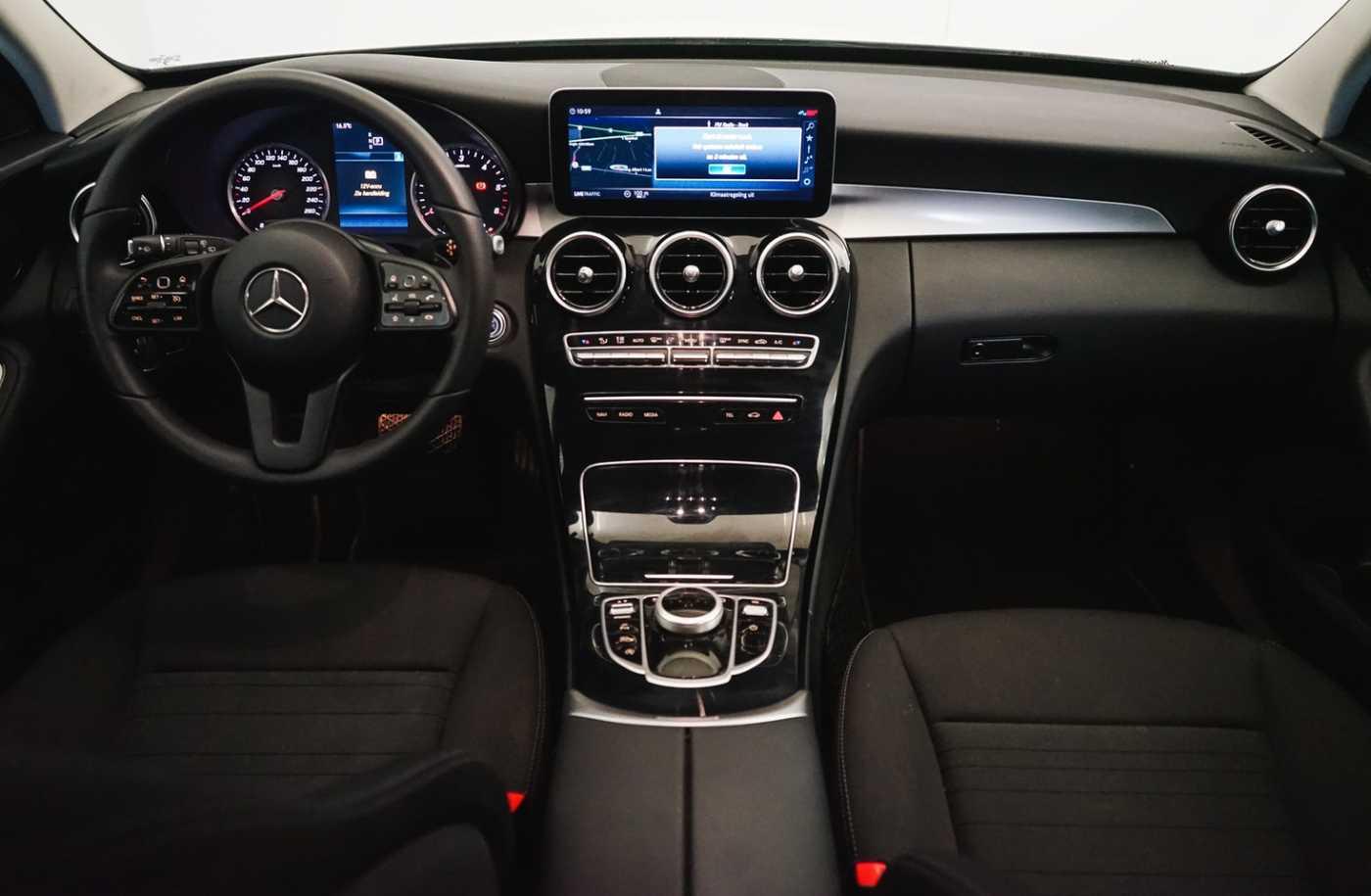 Mercedes C 220 Estate-Avantgarde// Apple Carplay, Cruise control, Navi