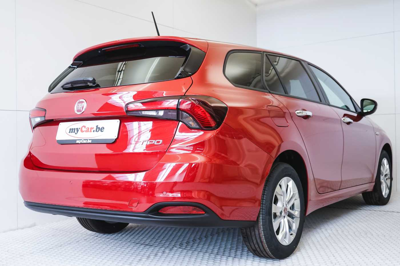 Fiat Tipo 1.4i SW Family Pack Navi // Navi, Bluetooth, Parkeerhulp, Airco