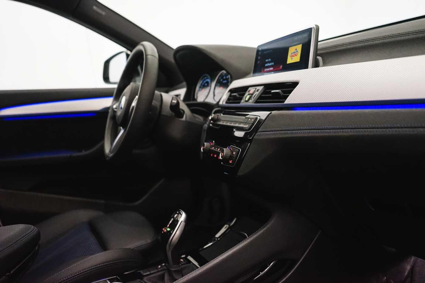 BMW X2 sDrive16d sDrive18i M-Sport Steptronic // Panoramic, Camera, Navi, Sportzetels