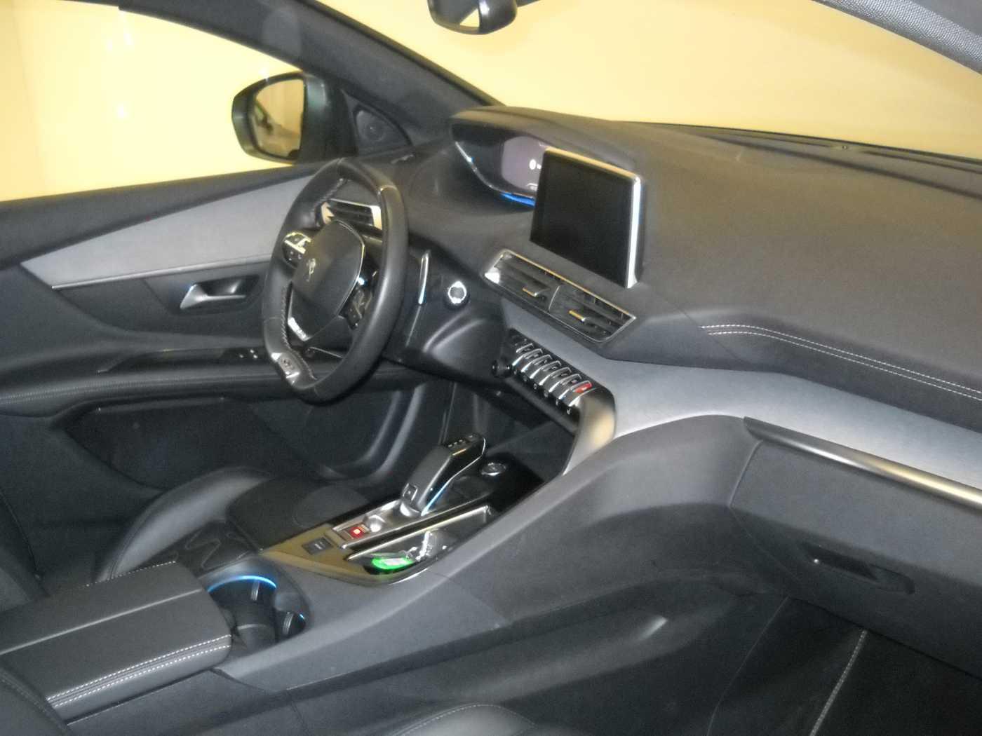 Peugeot 3008 2.0 BlueHDi GT 3/11