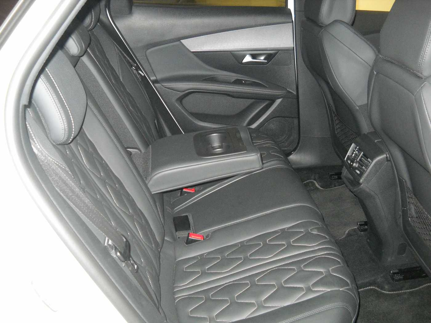 Peugeot 3008 2.0 BlueHDi GT 5/11