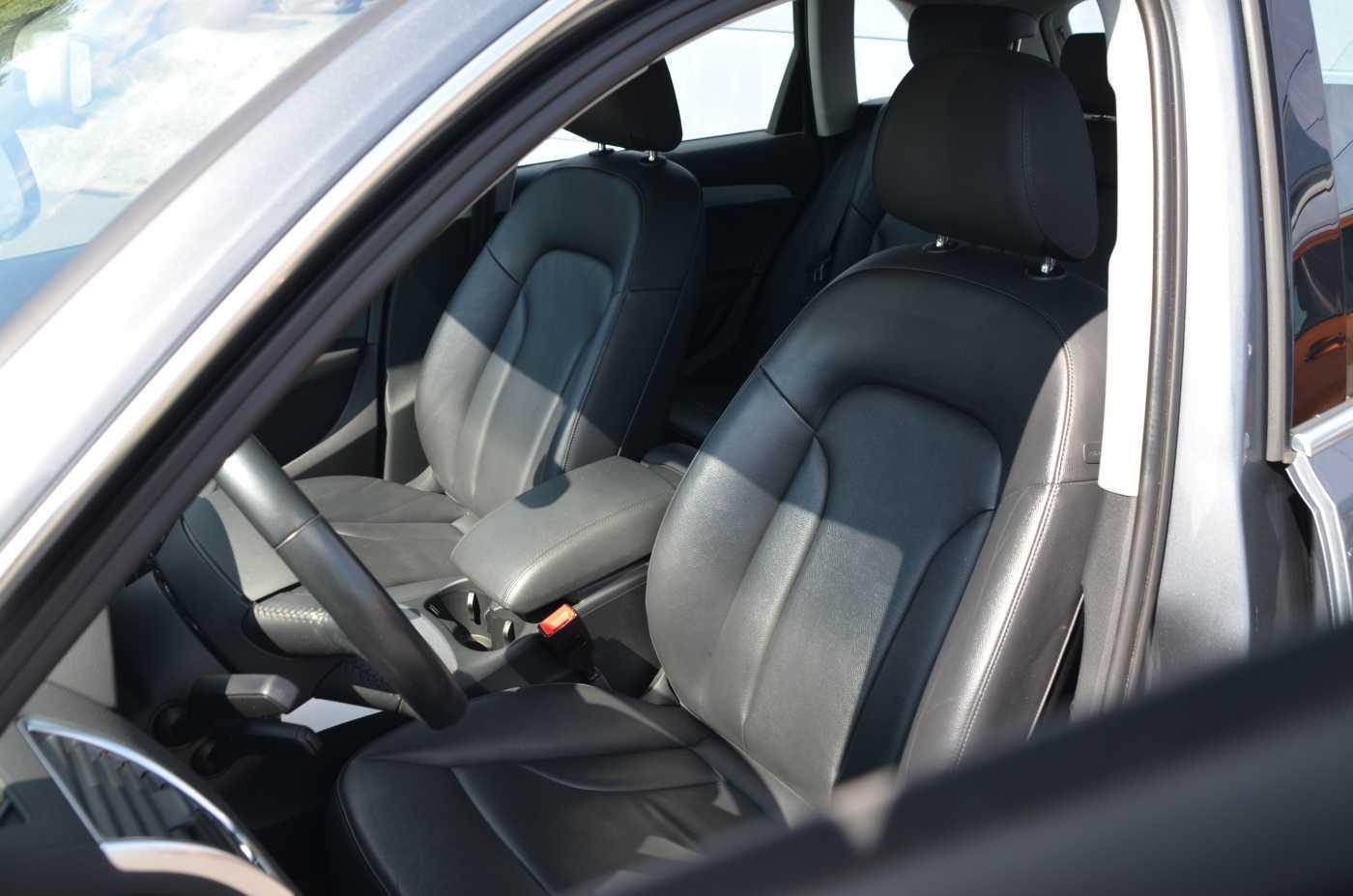 Audi Q5 2.0 TDi Design 8/12