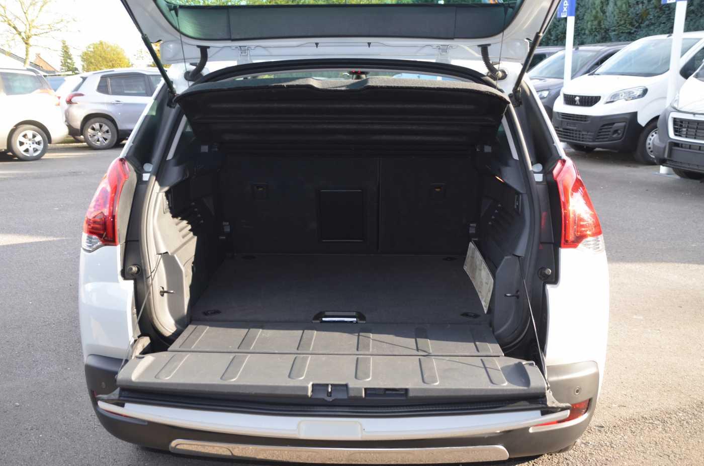 Peugeot 3008 2.0 HDi Allure 150CV 4/13
